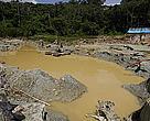 Destruição causada pelo garimpo Cruzado, dentro do Parque Nacional Montanhas do Tumucumaque