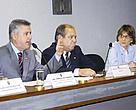 Na mesa: senador Rodrigo Rollemberg (PSB-DF); Celso Vainer Manzatto, da Embrapa; e presidente da Sociedade Brasileira para o Progresso da Ciência, professora Helena Bonciani Nader.