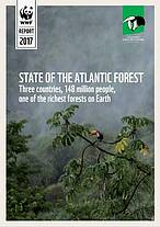 Relat&#243;rio State of the Atlantic Forest (Estado da Mata Atl&#226;ntica)<br />&copy;&nbsp;Fundaci&#243;n Vida Silvestre Argentina&#8221; border=&#8221;0&#8243; align=&#8221;left&#8221; hspace=&#8221;4&#8243; vspace=&#8221;2&#8243; /></a>Em reuni&#227;o anual da rede WWF na Am&#233;rica Latina e Caribe (LAC annual meeting), o documento foi lan&#231;ado oficialmente ontem (15), no Paraguai, com a presen&#231;a de nomes renomados da conserva&#231;&#227;o mundial, como Yolanda Kakabadse, presidente do WWF internacional, e Roberto Troya, diretor regional do WWF na Am&#233;rica Latina.</p> <p>Quem fez a apresenta&#231;&#227;o do documento, abordando a ampla reflex&#227;o sobre os pr&#243;ximos passos, desafios e oportunidades para dar escala e aumentar o impacto do trabalho trinacional, foi Anna Carolina Lobo, coordenadora do Programa Mata Atl&#226;ntica e Marinho do WWF-Brasil. O relat&#243;rio detalha o estado de conserva&#231;&#227;o da Mata Atl&#226;ntica nos tr&#234;s pa&#237;ses, com resultados da atua&#231;&#227;o dos tr&#234;s pa&#237;ses desde o ano 2000.<br />&nbsp;<br />Originalmente, o bioma cobria 1.345.300 km&#178;, da costa atl&#226;ntica do Brasil at&#233; o noroeste da Argentina, abrangendo a regi&#227;o oriental do Paraguai. Hoje, o territ&#243;rio est&#225; fragmentando, ocupando apenas 226.124 km&#178;, menos de 16,8% de seu tamanho original, correndo o risco de perder seu maior predador &#8211; a on&#231;a pintada.</p> <p>Apesar de tamanha degrada&#231;&#227;o &#8211; causada principalmente pelo avan&#231;o da agricultura e da pecu&#225;ria &#8211; a Mata Atl&#226;ntica ainda &#233; um dos biomas com maior valor biol&#243;gico do mundo, onde est&#227;o 7% das esp&#233;cies de plantas e 5% dos vertebrados do planeta. O <em>State of the Atlantic Forest </em>(Estado da Mata Atl&#226;ntica) &#233; um estudo detalhado feito trinacionalmente, com hist&#243;rias de sucesso, desafios e li&#231;&#245;es aprendidas para proteger o bioma do desmatamento que v