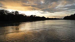 Amanhecer no rio Purus, nas proximidades do município de Boca do Acre (AM)
