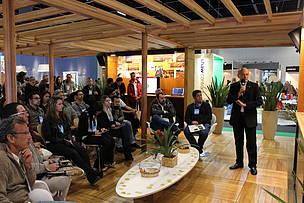 Durante a feira, foram ministradas palestras técnicas  para arquitetos, engenheiros e profissionais da construção