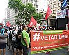 Manifestantes recordaram as promessas de campanha da presidente Dilma Rousseff