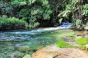 As águas que nascem no planalto da Bacia do Alto Parguai, como nessa região de Tangará da Serra e Reserva do Cabaçal (MT) são fundamentais para o abastecimento do Pantanal.