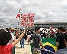 No dia 29, povo saiu em marcha do gramado do Congresso até a Praça dos Três Poderes para protestar contra mudanças no Código Florestal
