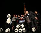Autoridades se reúnem na Torre Eiffel para apagar o famoso ícone mundial por sessenta minutos na Hora do Planeta 2015