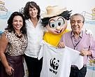 Monica (commercial director of MSP), Maria Cecilia Wey de Brito (CEO of WWF-Brazil), Chico Bento (ambassador to protect the sources of the Pantanal) and its creator Mauricio de Sousa.