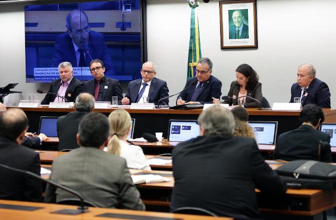 Audiência discutiu os impactos ambientais do vazamento de rejeitos em Barcarena (PA). Foto: Claia Viana/Câmara dos Deputados